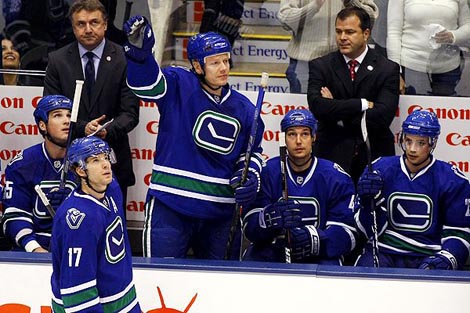 Canucks playing in their 3rd jerseys