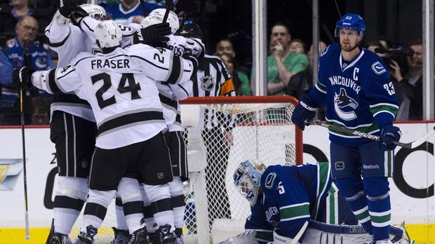 Vancouver Canucks vs Los Angeles Kings